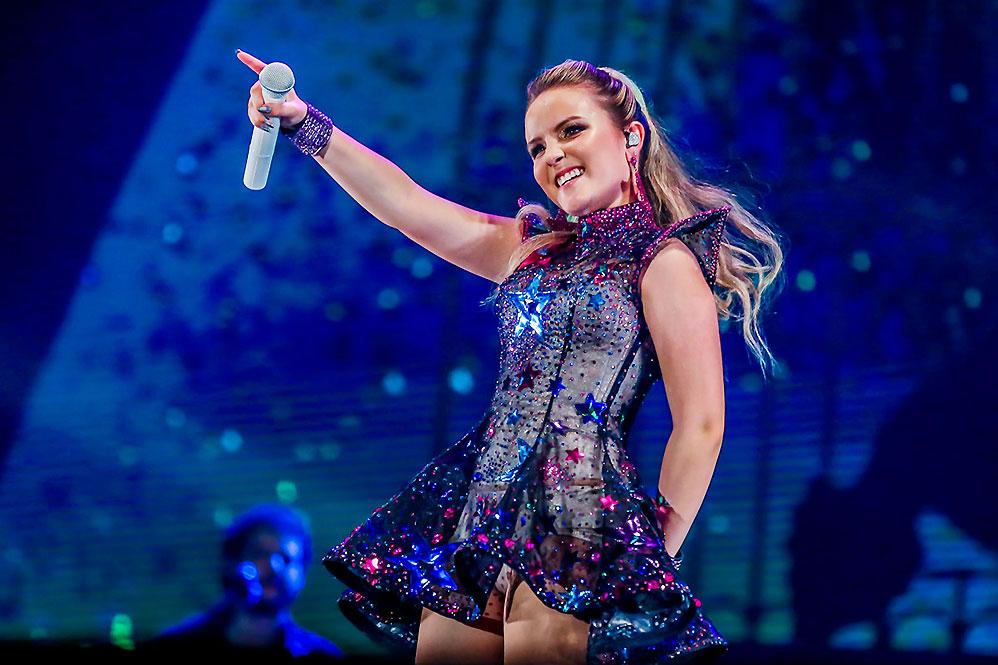 Estrela teen, Larissa Manoela faz show no Espaço das Américas 6c0907e5db